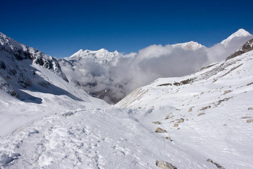 Manaslu Trek: manaslu Region withh cloud and snow